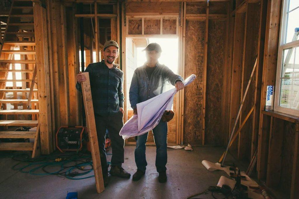 men construction of home