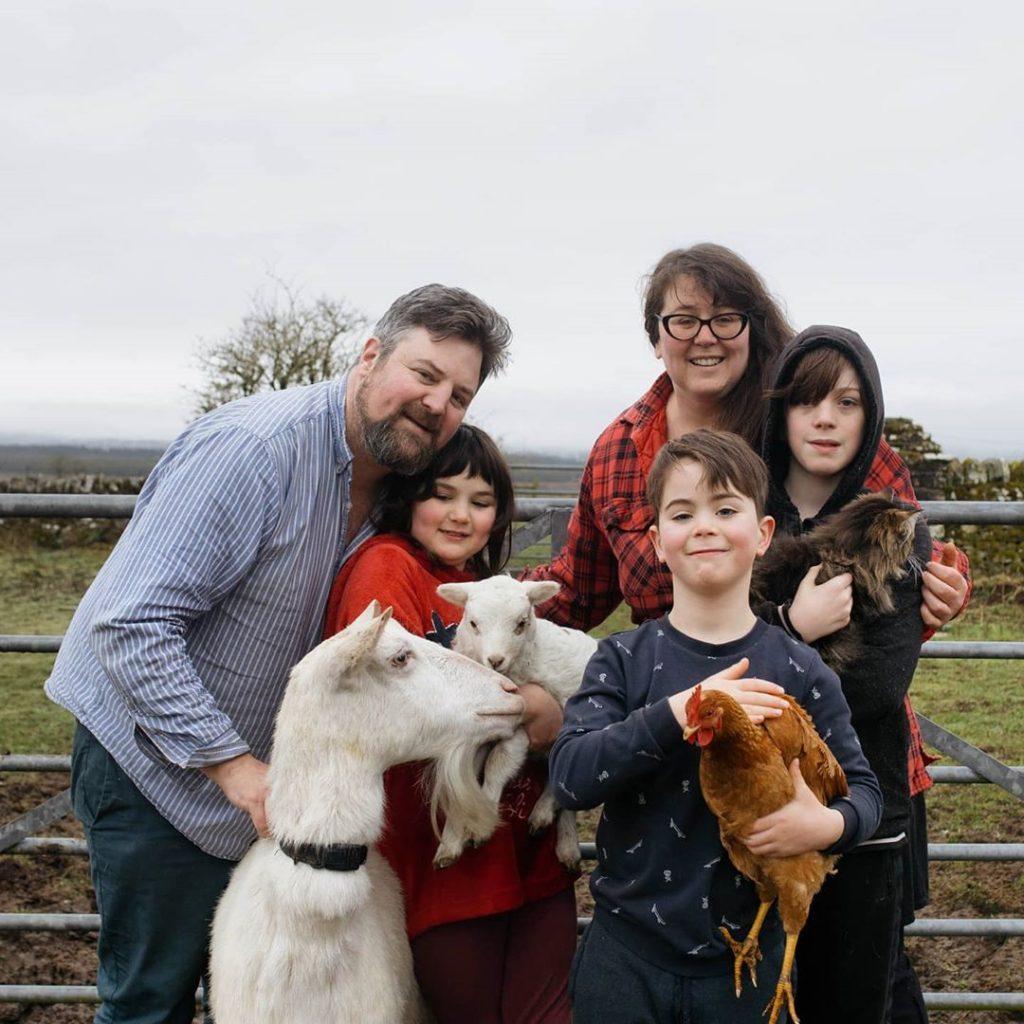 Gartur Stitch Farm Family